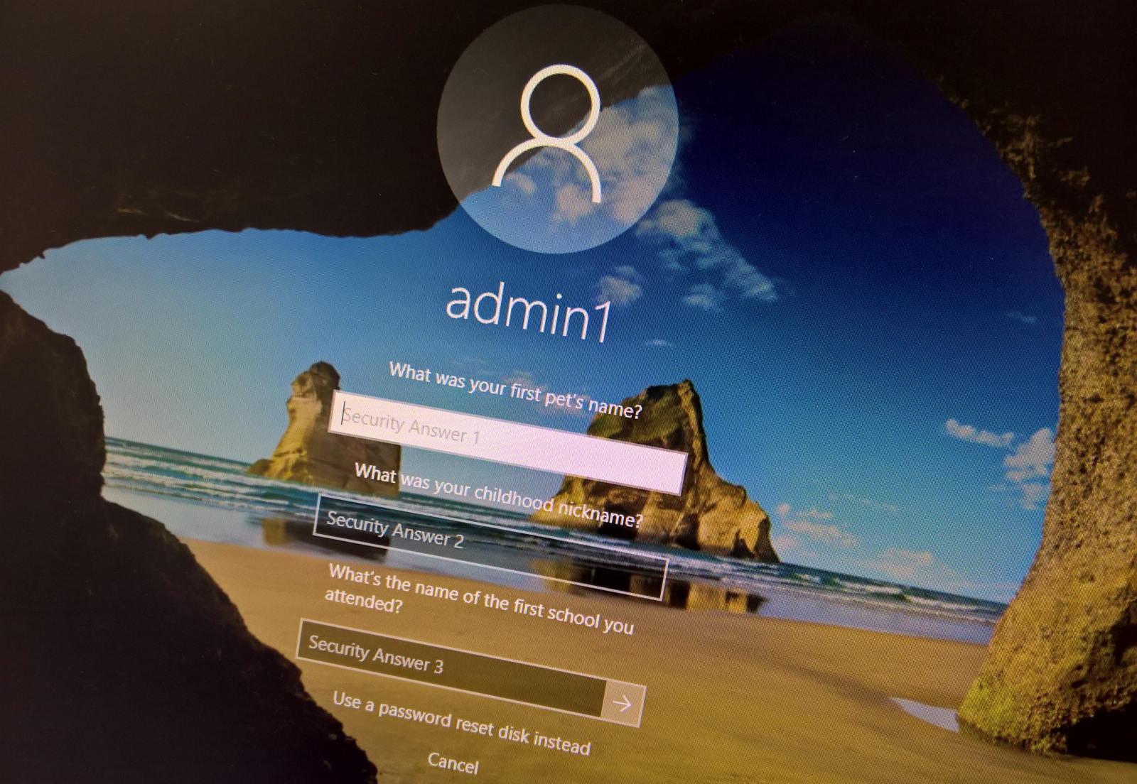 Reset local account password on Windows 10