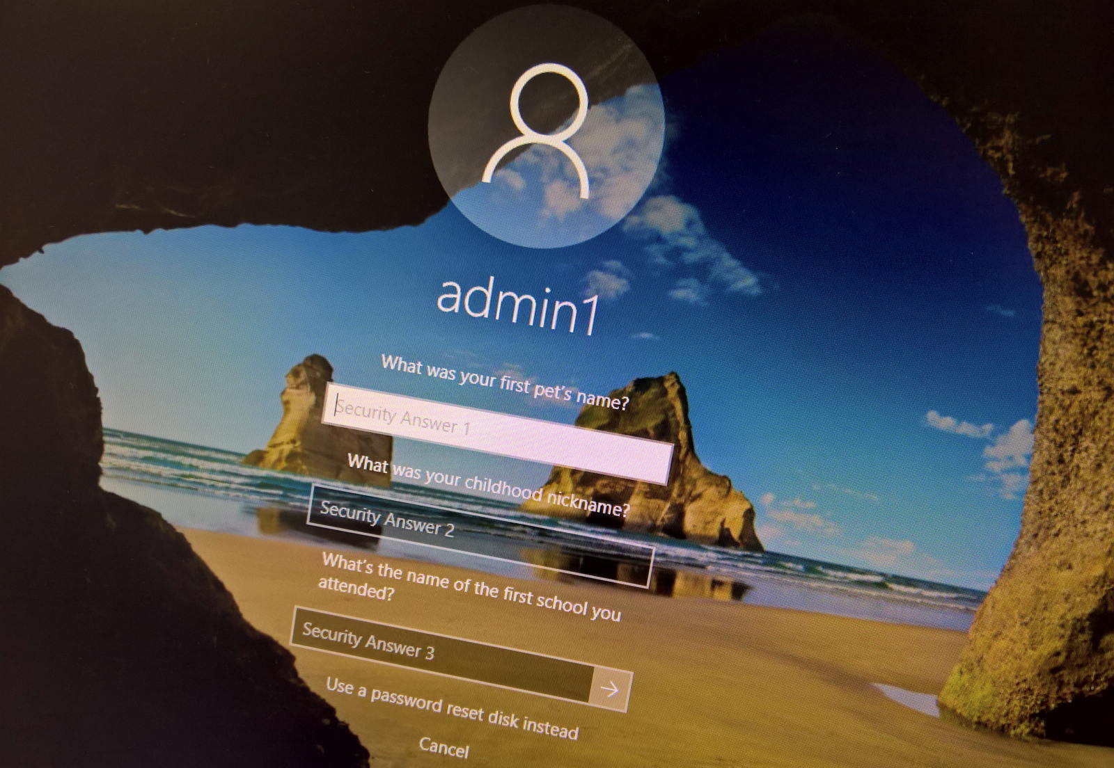 Reset local account password on Windows 10