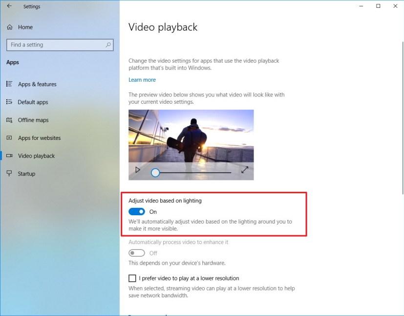 Adjust video based on lighting option on Windows 10
