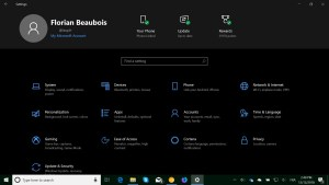 Settings app header design on Windows 10 version 1903