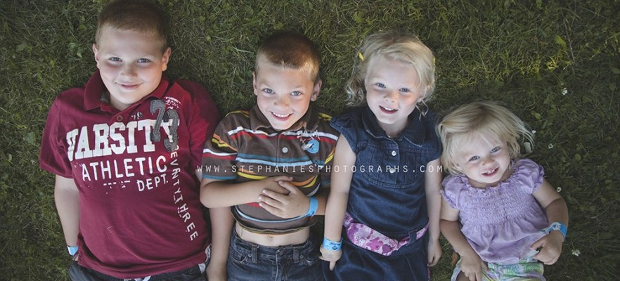 summer fall back to school mini sessions candid sibling lifestyle family photos parc jacques cartier park hull gatineau quebec
