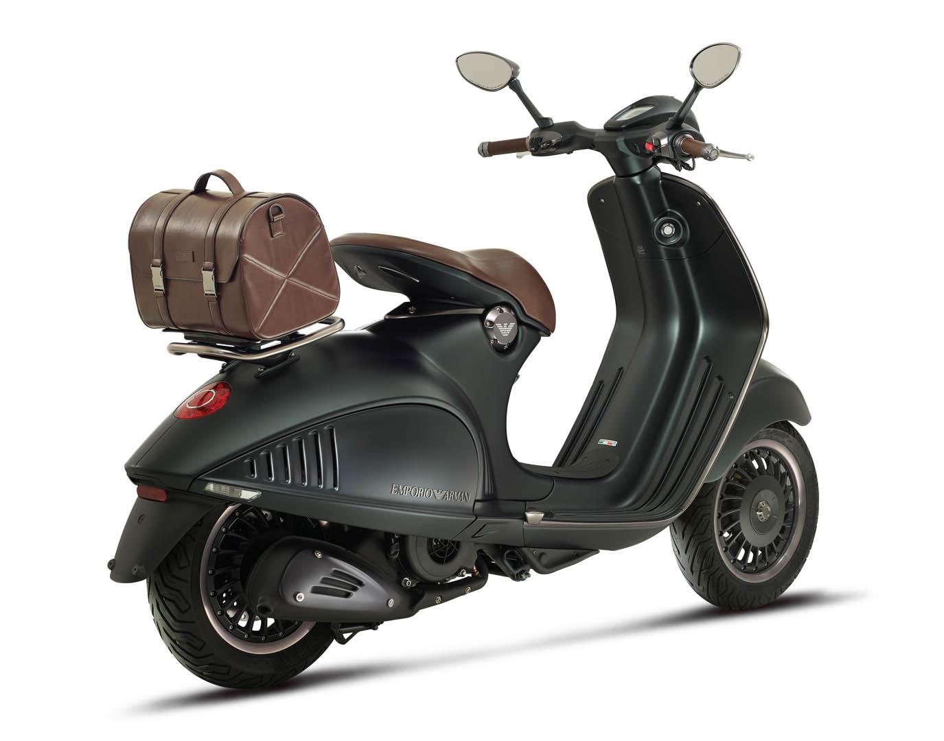 The Customized Vespa 946 Emporio Armani | Blog Purentonline