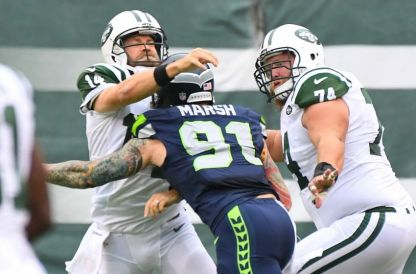 (Photo Credit: Robert Deutsch-USA TODAY Sports) Fitzpatrick was hit multiple times last Sunday by the Seattle defense.