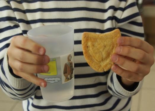 .... en découvrant en avant première l'éco gobelet du Pureux ainsi que le biscuit masque