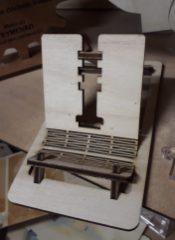 Prototype de reposoir en bois pour téléphone mobile