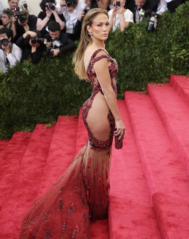 Jennifer Lopez red versace met gala gown
