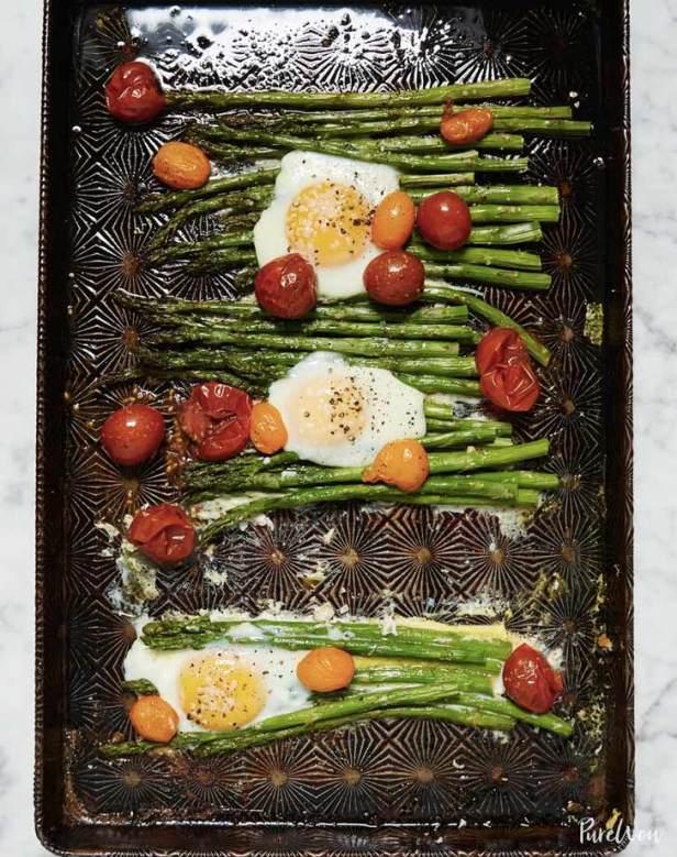 one pan eggs asparagus