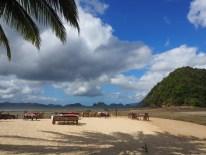 Corong Corona und ein leerer Strand