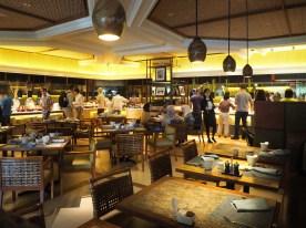 Im Restaurant Tides des Shangri-La's Mactan
