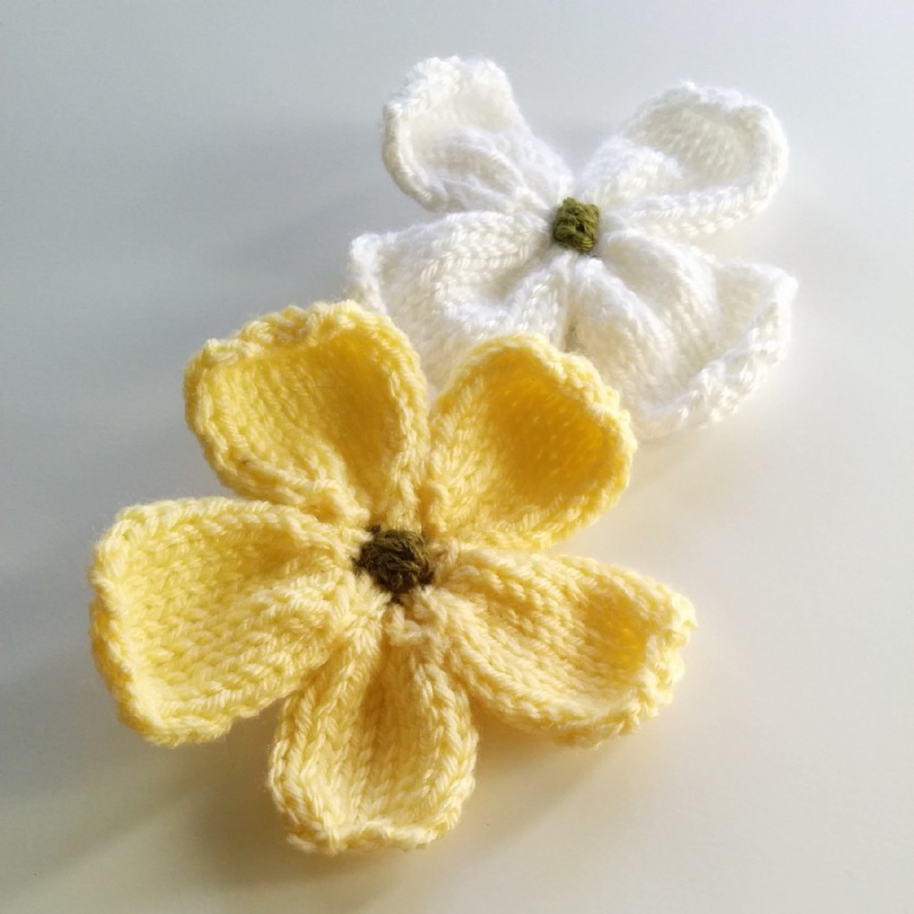 Free Knitting Pattern ♥ Dogwood Blossoms -