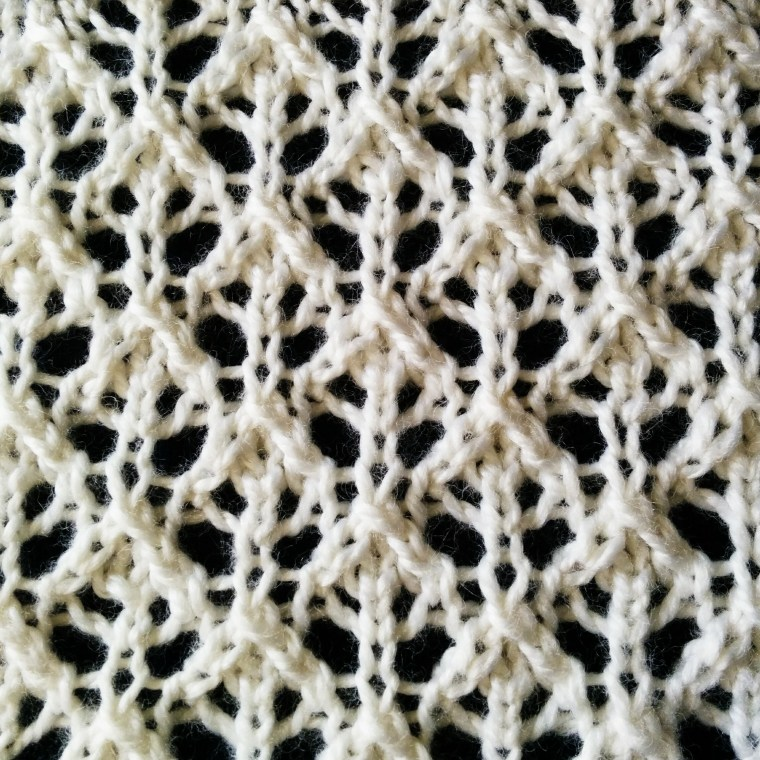Buds and Lattice lace