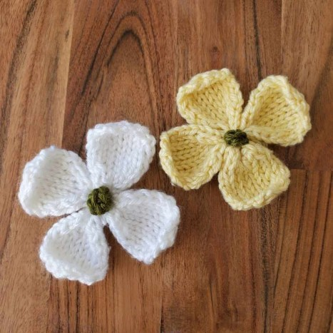 Small Knitted Dogwood Blossoms