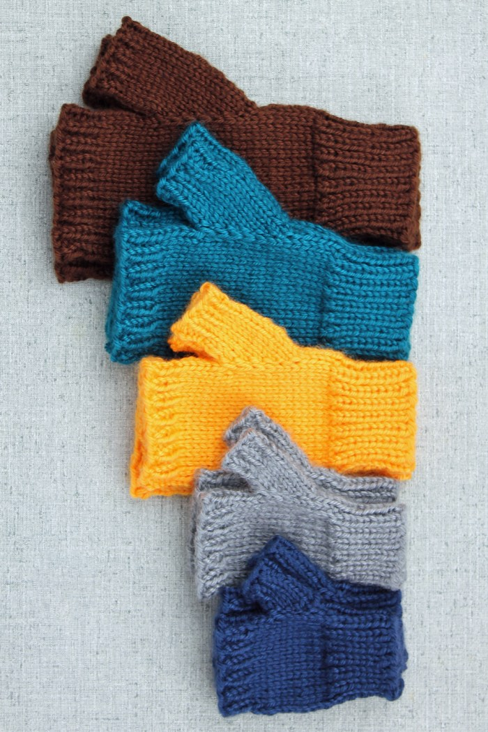 Simple fingerless mitts all sizes by Liz @PurlsAndPixels
