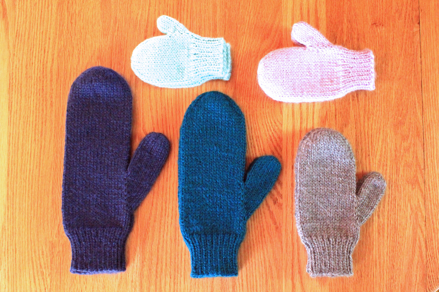 Simple Mitten Knitting Pattern - PurlsAndPixels