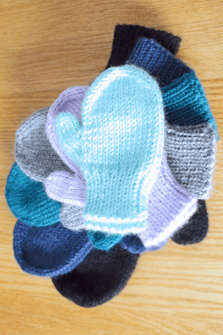 Basic knit mittens in all sizes knitting pattern from Liz @PurlsAndPixels