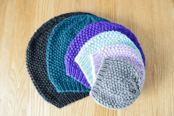 Textured beanie, seed stitch hat knitting pattern in all sizes from Liz @PurlsAndPixels
