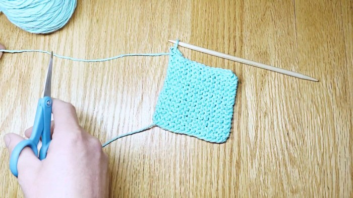 Step 11: Learn to take knit stitches off needles with a standard bind off, a knitting lesson from Liz @PurlsAndPixels.