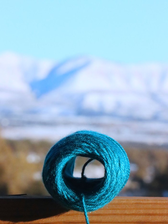 How to wind yarn into center-pull balls by hand - a lesson with Liz @PurlsAndPixels.