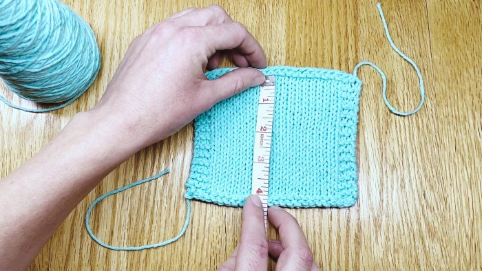 Measure a bordered gauge swatch step 1 - a knitting lesson with Liz @PurlsAndPixels.