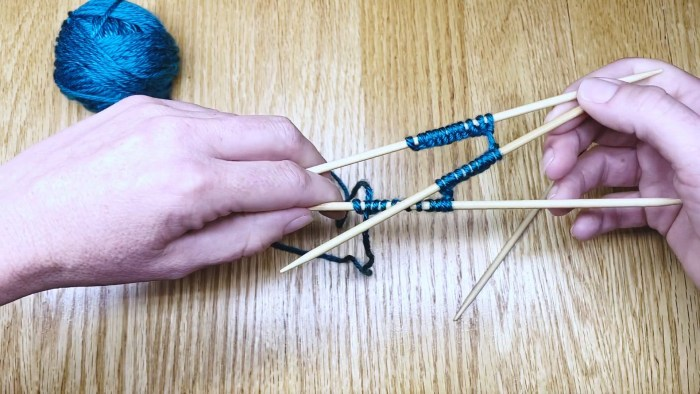 Step 12: Knit in the round with double point needles (DPNs) - a lesson with Liz Chandler @PurlsAndPixels.