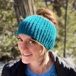Knit seamless ribbed ear warmer headbands for all sizes with this beginner knitting pattern from Liz Chandler @PurlsAndPixels.