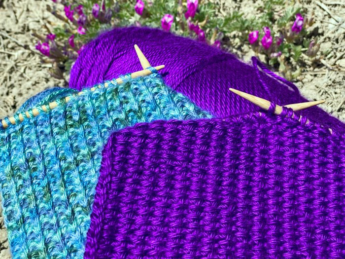 Slipped Stitches Scarf - a free knitting pattern from Liz Chandler @PurlsAndPixels.