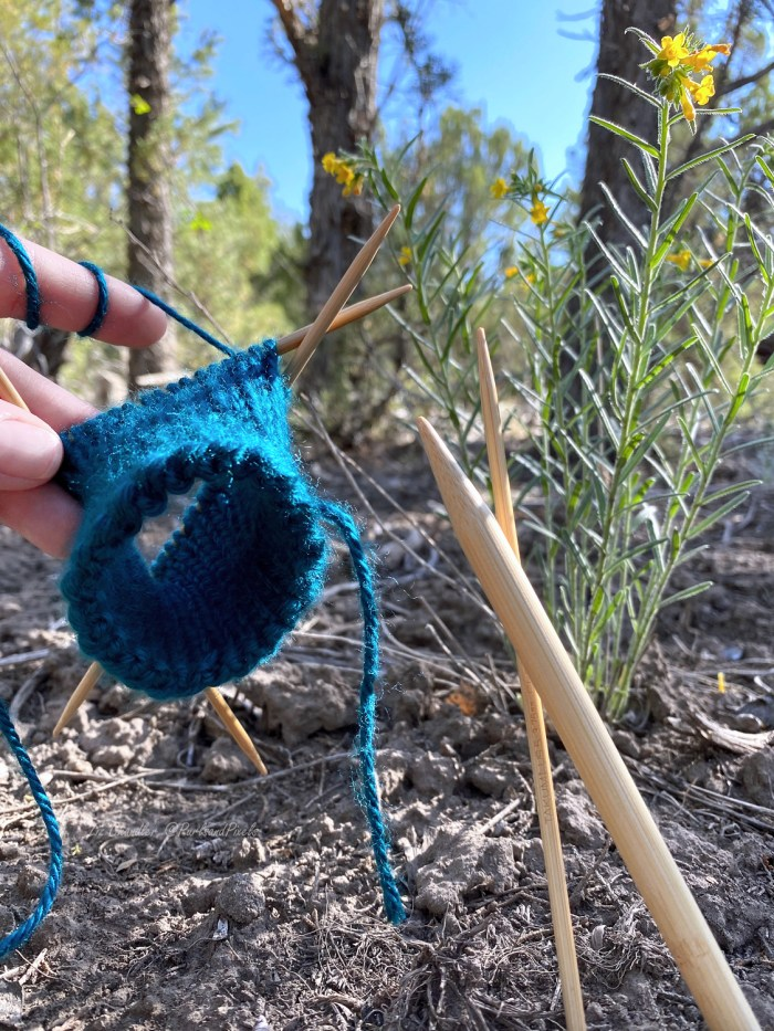 Learn to switch double point needle sizes while knitting in the round in this lesson with Liz Chandler @PurlsAndPixels.