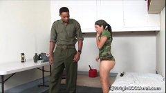 Cogiendo El Culo De La Chica Militar