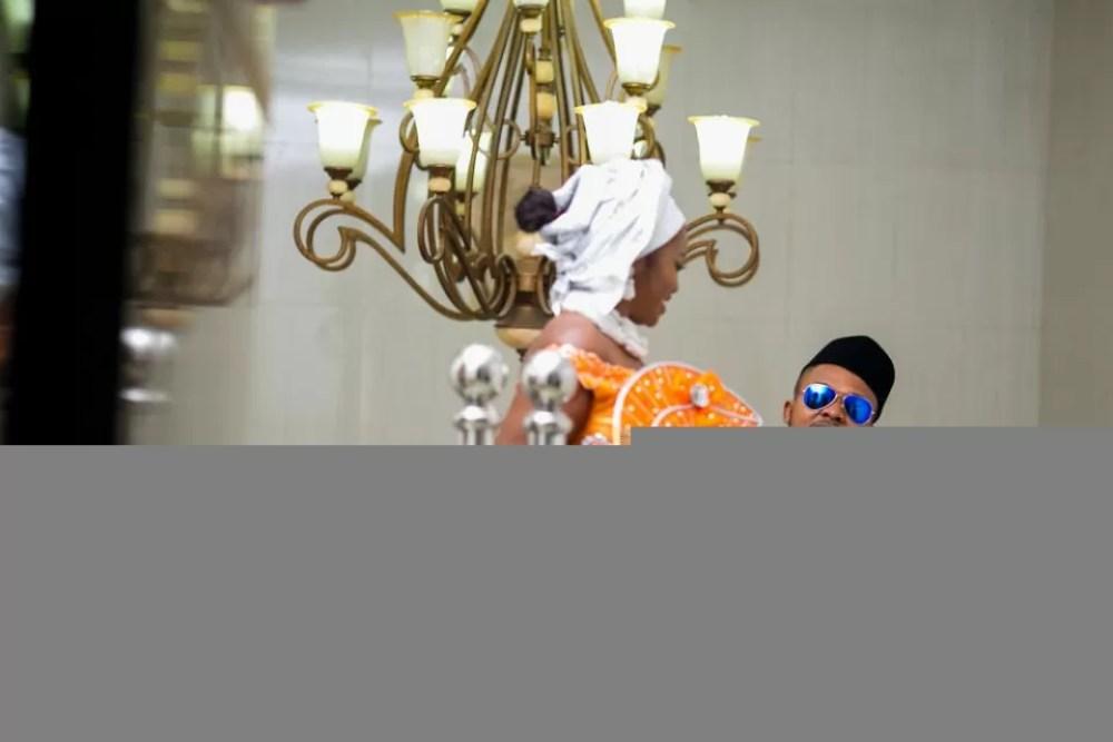 Koko Introduction photography By Kayode Ajayi www.purplecrib.com #kayodeajayi #kebo #kaykluba #kayklubaphotos #lagos #nigeria #wedding photography (34 of 46)