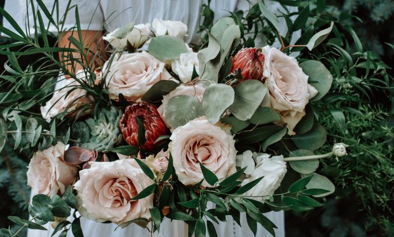 What are the Best Greenery and Filler Flowers for Bouquets? | Purple Flower