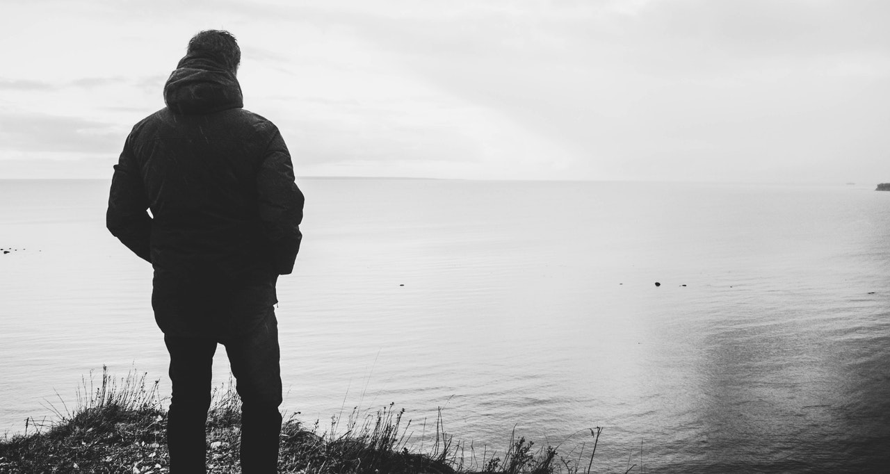 how to spot loneliness in others