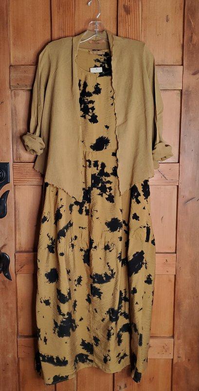 cut-loose Seamed Bubble Dress - Inklot 1911 in Brass