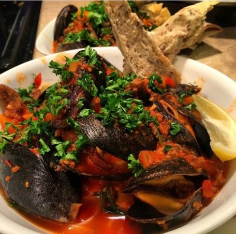 Mussels & Linguine w/ Spicy Chorizo
