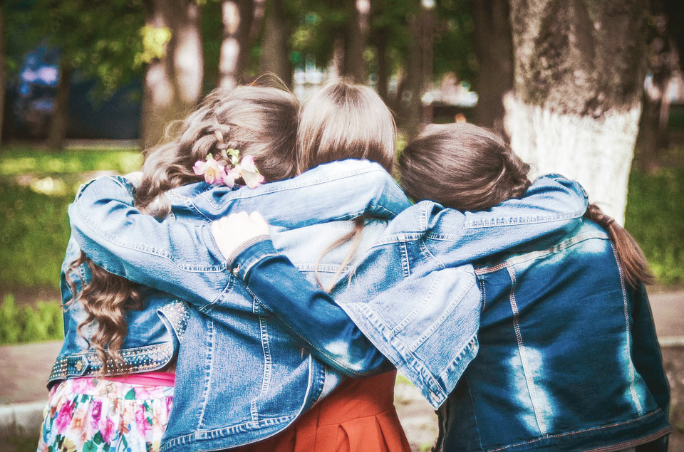 How To Survive Your Tween Girl's Party: 5 Tips!