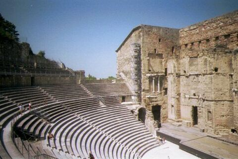 pusa-roth-costin-tuchila-clasicii-dramaturgiei-universale-teatru-radiofonic-eseu-teatral-recital-tema-puterii-teatru-universal1