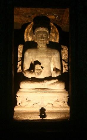 Buddha statue inside Cave 4