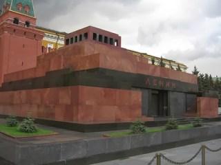 Moskova Kızılmeydan'da Lenin'in mumyasını görebilirsiniz