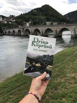Drina köprüsü kitabı Ivo Andric'e nobel edebiyat ödülü kazandırmıştır.