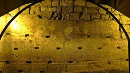 Kudüs ağlama duvarı tünelleri gece özel tur ile gezilebiliyor.