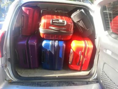 2 valises en soute + 1 valise cabine par personne : (presque) toute notre vie !