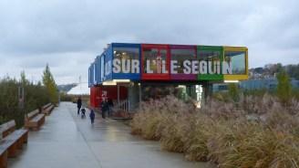 Pavillon d'information sur l'Île Seguin à Boulogne