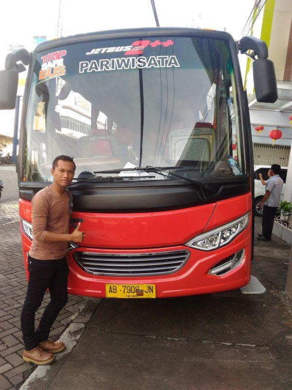 Sewa Mini Bus Medium Pariwisata Jogja