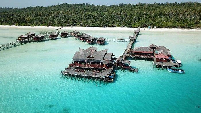 Pulau Maratua Derawan Kalimantan