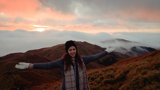 Nanda au sommet du Mont Pulag avec le lever de soleil!