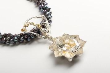 Māris Šustiņš, kaklarota - sudrabs 925', kalnu kristāls, pērles