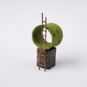 Liisa Hashimoto, House of Kohl, pin - brass, ceramic clay, acrylic paint