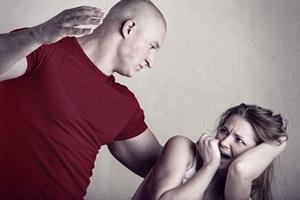 Putus atau Lanjut Setelah Dikasari Pasangan?