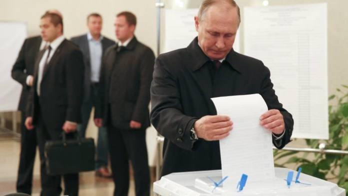 Putin glasa na referendumu