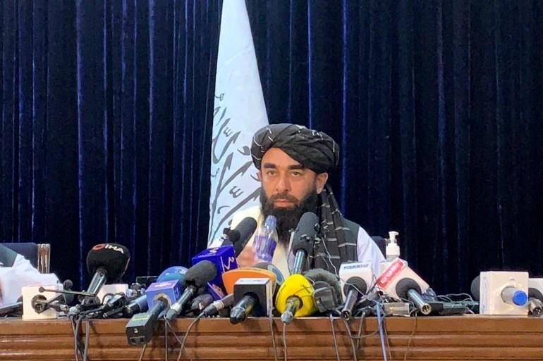 Glasnogovornik talibana Zabihullah Mujahid kaže da je dužnost međunarodne zajednice i zemalja u regiji da uspostave diplomatske veze s novom afganistanskom vladom (AP)