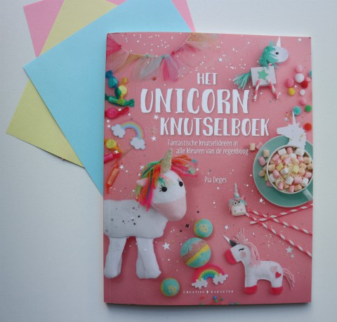 Always be yourself, unless you can be a unicorn (recensie)